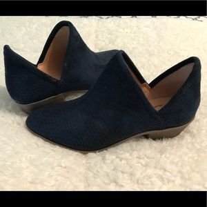 Shoes - Navy blue Booties size 6.5